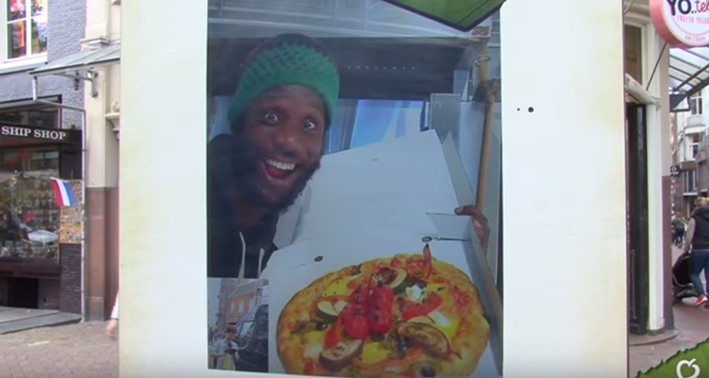 guerilla_aktion_livestreaming_pizza